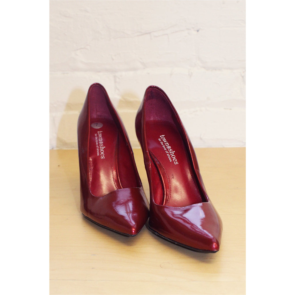 TOWN SHOES | Red Patent Pointy Toe Pumps - Fresh Fashion Library