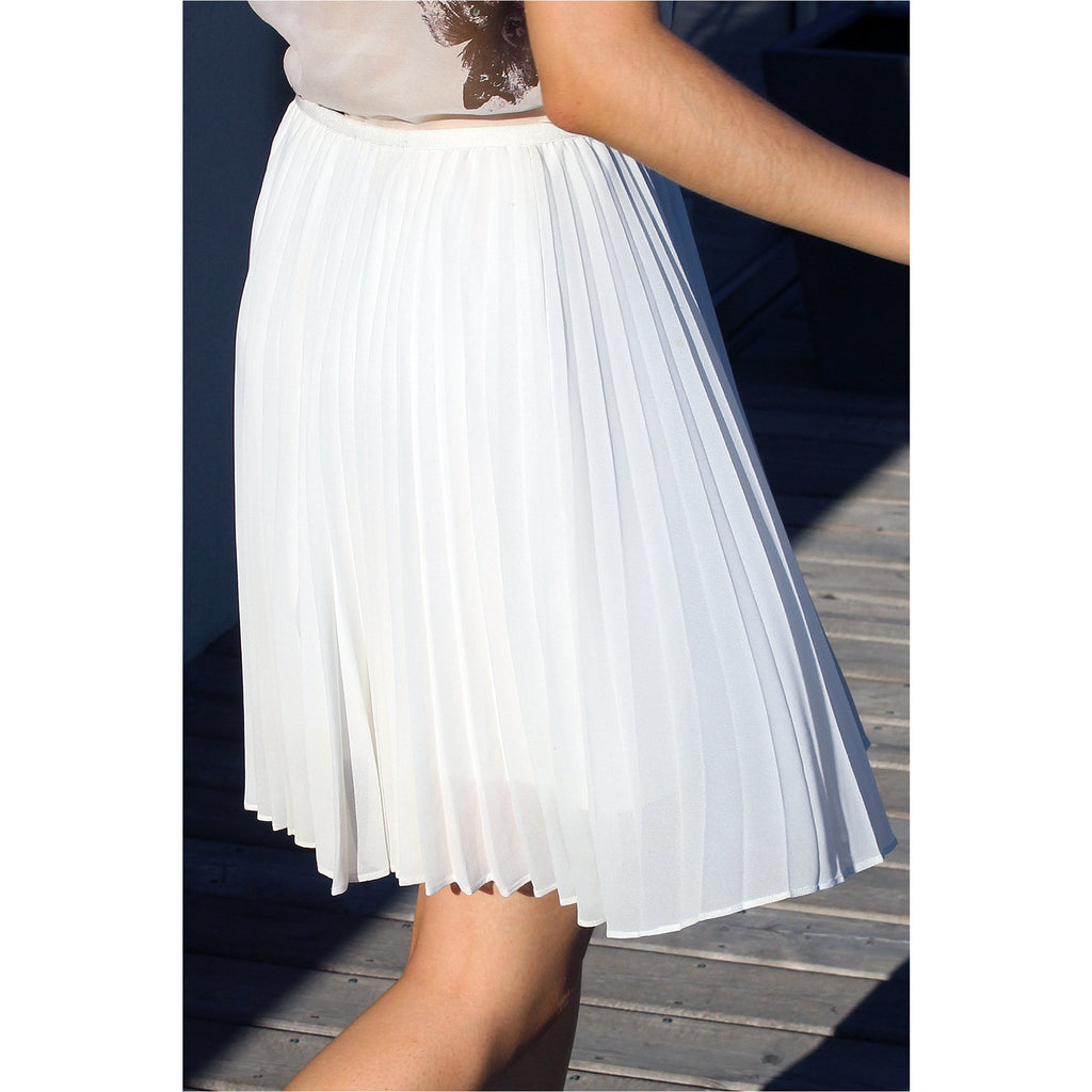 BABATON | White Pleated Chiffon Mini Skirt
