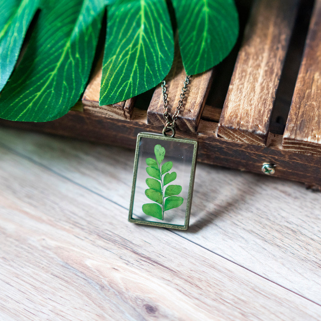 Real Pressed Green Fern Flower Necklace Adjustable Length Resin Botanical Jewelry Floral Neverland Floralfy 01