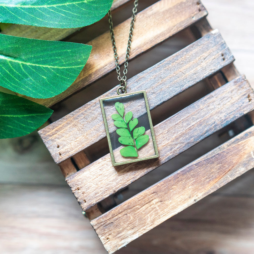 Real Pressed Green Fern Flower Necklace Adjustable Length Resin Botanical Jewelry Floral Neverland Floralfy 03
