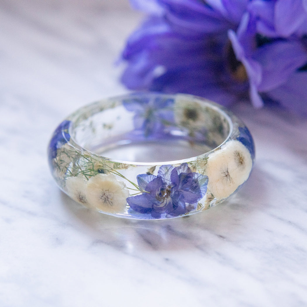 Real Pressed Flower Resin Bangle Bracelet Botanical Jewelry with Blue Purple Cherry Blossoms White Daisies and Baby's Breath, Bridal Bridesmaid Wedding Gifts, Floral Neverland Floralfy