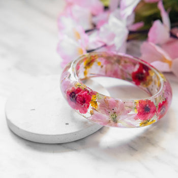 Real Pressed Flower Resin Bangle Bracelet Botanical Jewelry with Pink Cherry Blossoms Red Daisies Yellow Baby's Breath, Bridal Bridesmaid Wedding Mothers Day Anniversary Valentines Day Gifts Floral Neverland Floralfy