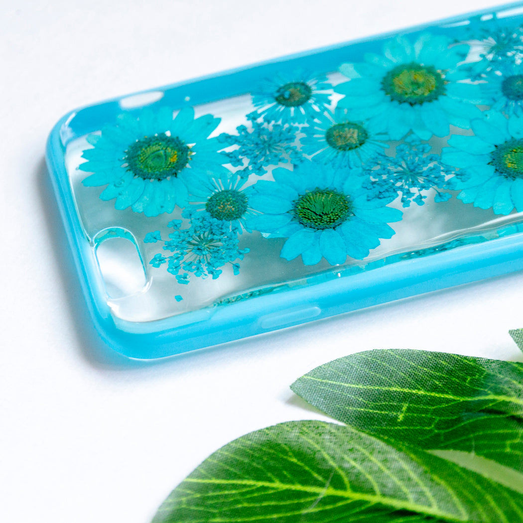 handmade_real_pressed_blue_daisy_flower_cute_protective_iPhone_6_6s_floral_bumper_case_Livia_handmade_real_pressed_blue_daisy_flower_iPhone_6_6s_bumper_livia_floral_neverland_floralfy