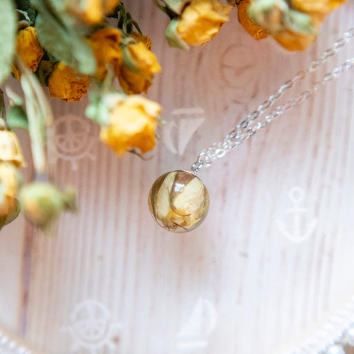 Real Dried Yellow Rose Flower Resin Pendant Necklace