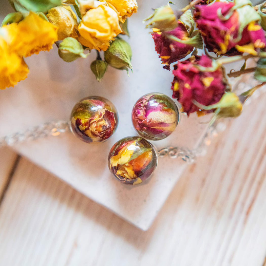 Real Dried Yellow and Red Rose Flower Resin Pendant Necklace