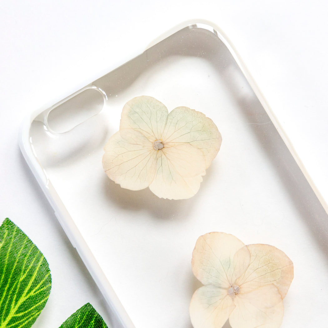 Snow | Pressed Flower iPhone Bumper Case | iPhone 6/6s