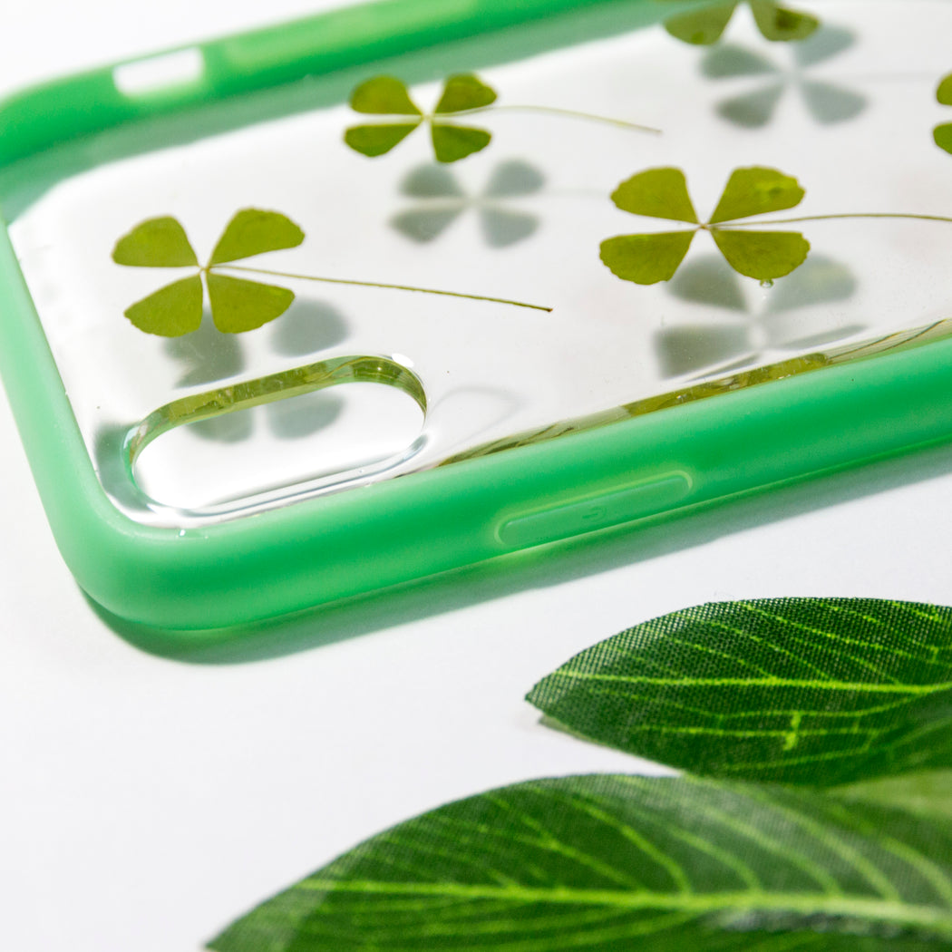 pressed_flower_four_leaf_clover_cute_protective_anti_drop_iPhone_X_XSbumper_case_feeling_lucky_floral_neverland_floralfy