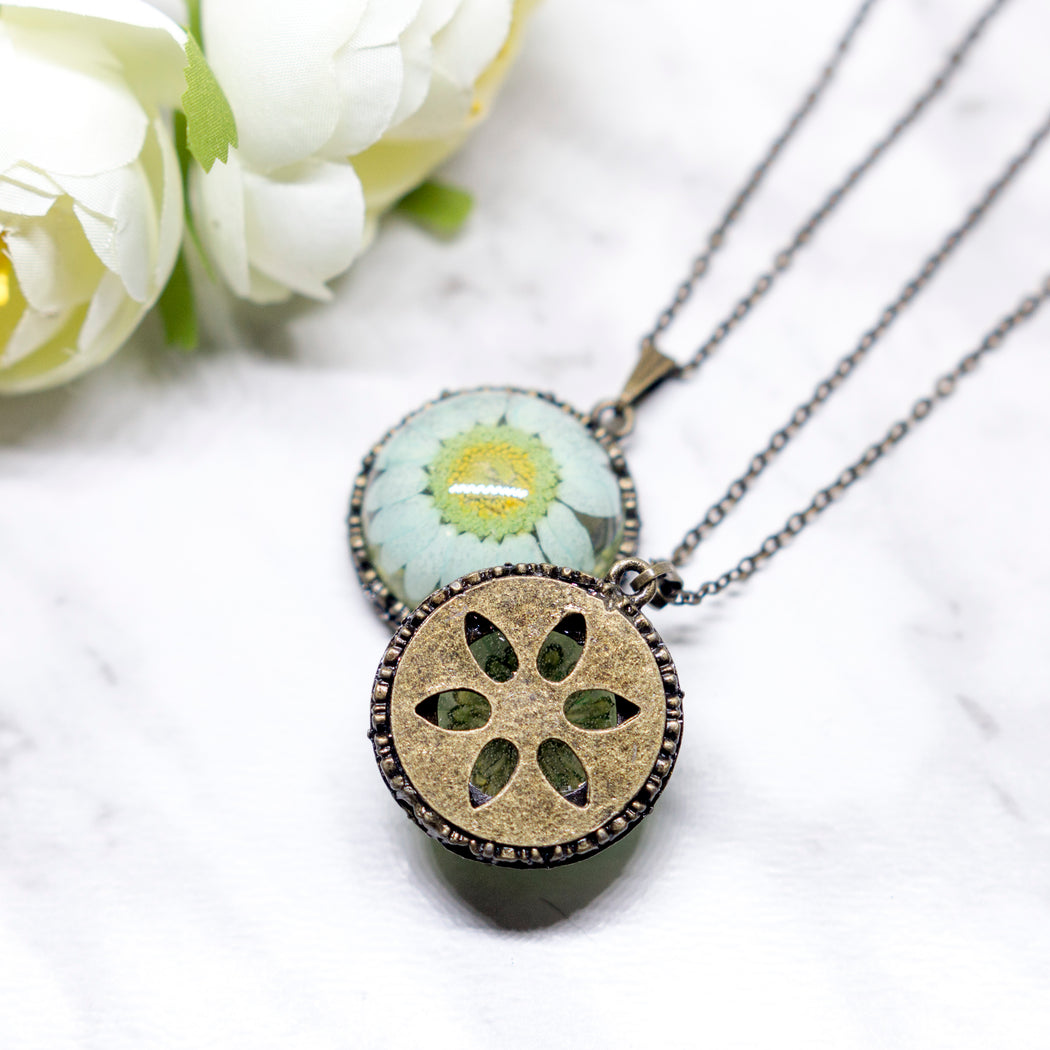 Real Daisy Flower Vintage Necklace, Real Flower Jewelry, Flower Vintage Pendant