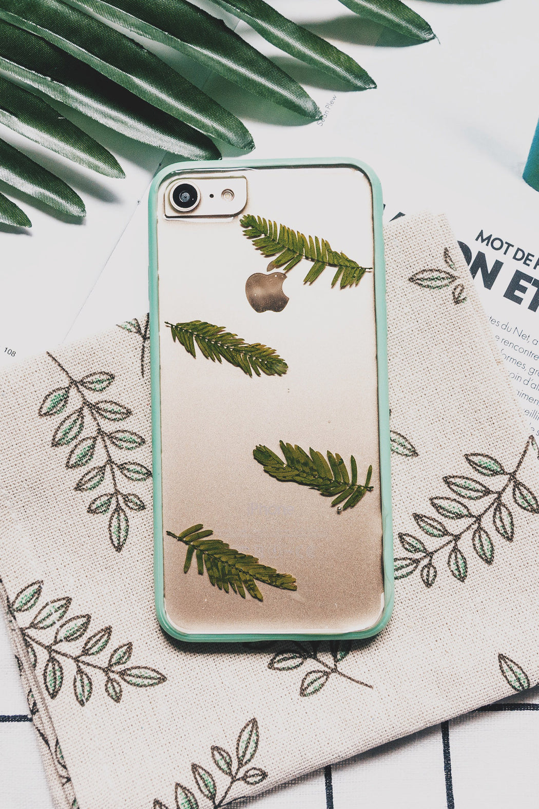 real_pressed_grean_fern_leaf_flower_cute_protective_anti_drop_bumper_iPhone_7_8_case_floral_neverland_floralfy