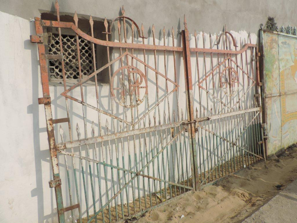 Vintage industrial Egyptian old wrought iron gate #1439