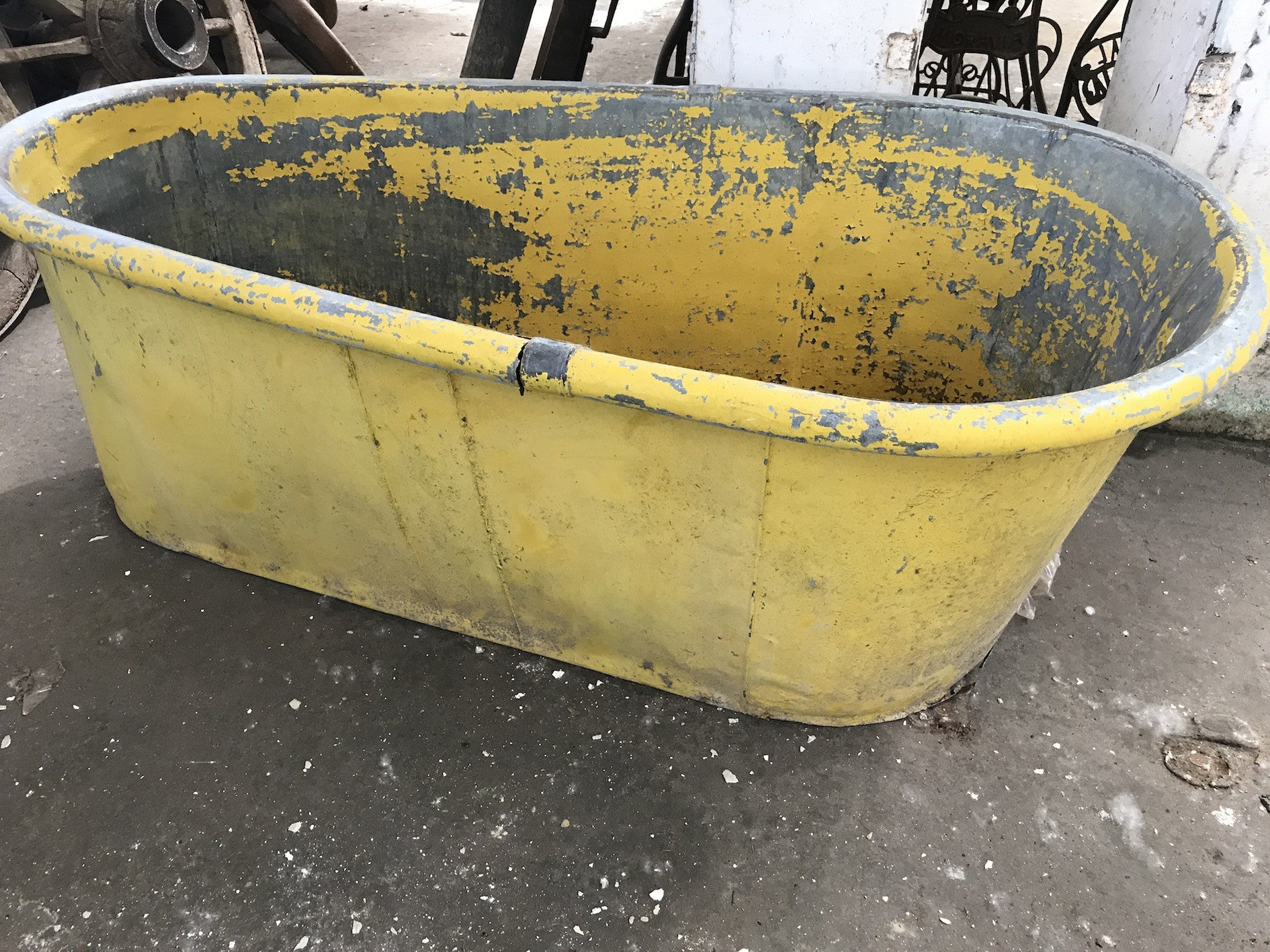 Vintage industrial French galvanized bath tub #1734