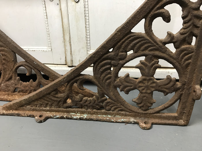 Vintage French cast iron corner brackets #1622