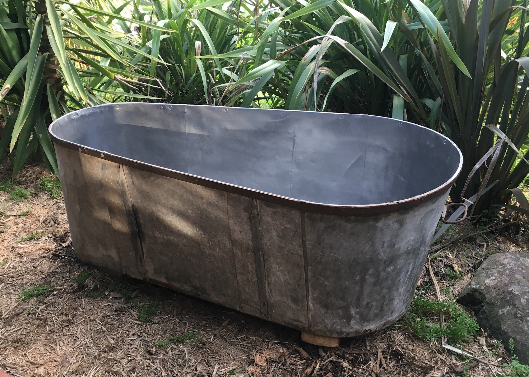 Vintage 1940s  Galvanized Bath Tub #3073