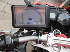 gps-device-on-motorcycle-handlebars