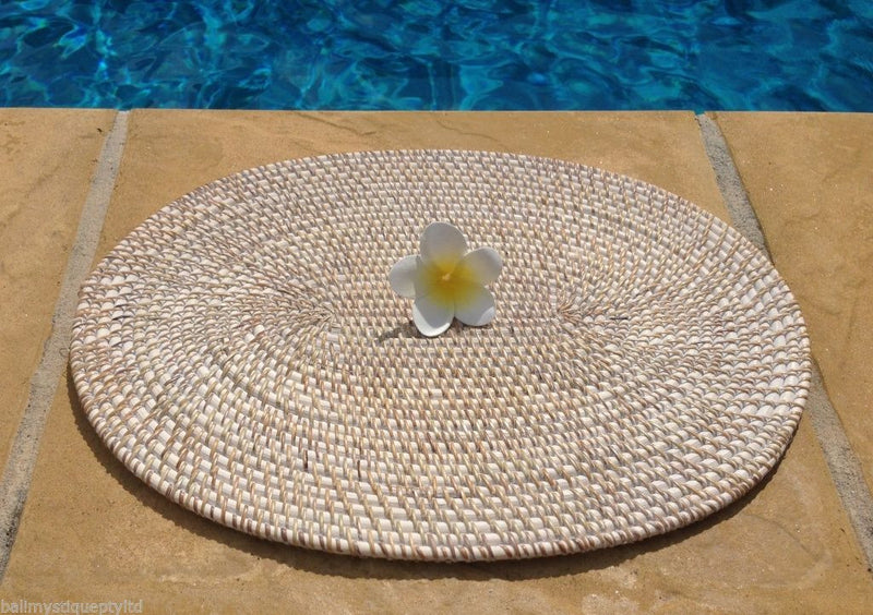 Balinese Whitewash Oval Rattan/Cane Place mat