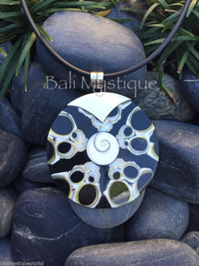 Balinese Black Shell Round Pendant with Stirling Silver 925 Clasp