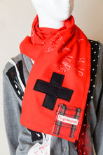 Red f Scarf・赤マフラー