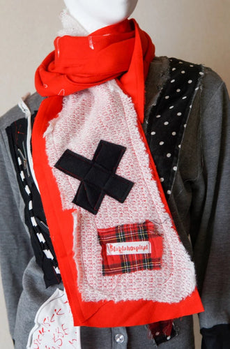 Red f Scarf・マフラー
