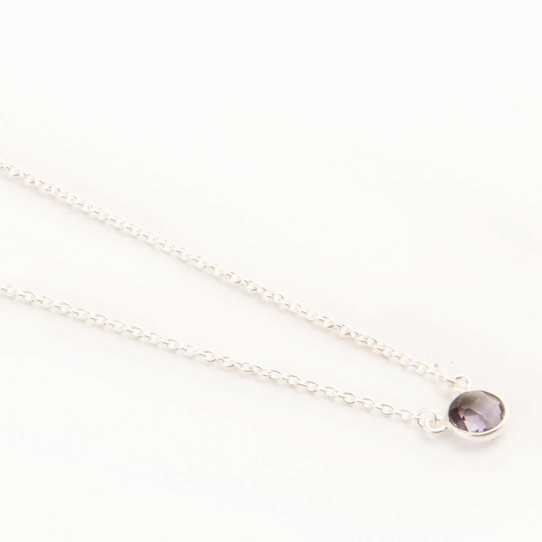 Adele mini silver round chain in Amethyst - Neckpieces