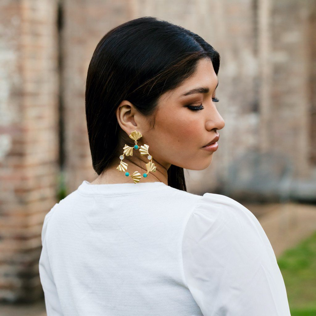 Juliet earring in pearl and turquoise - Statement Pieces