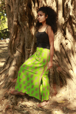 Bottom - Green paisley skirt - Prathaa