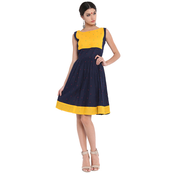 Dress - Dual color sleeveless handloom dress - Prathaa