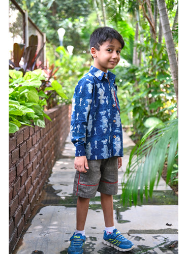 Kids Fish Print Shirt With Grey Paneled Shorts