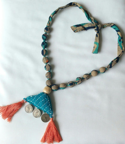 Accessory - Beaded Neckpiece Triangle Pendant - Prathaa