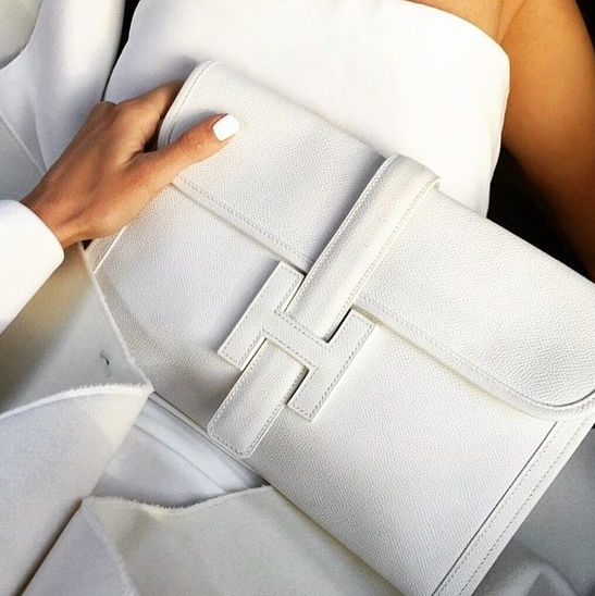 Is your hand bag making you break out?