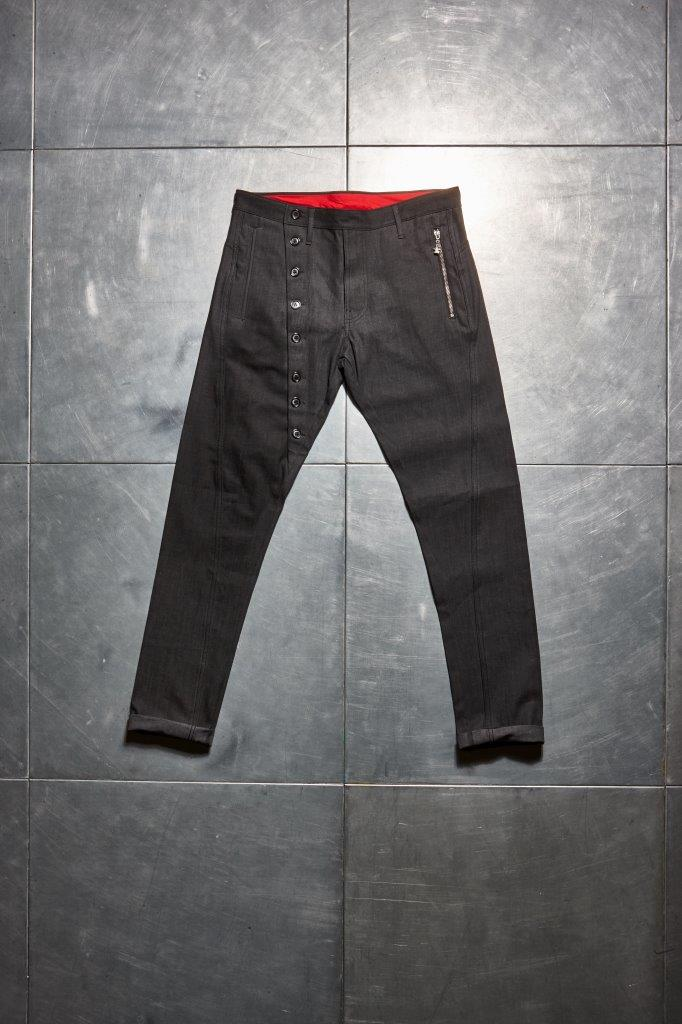 Faceless Twisted Jeans - Black