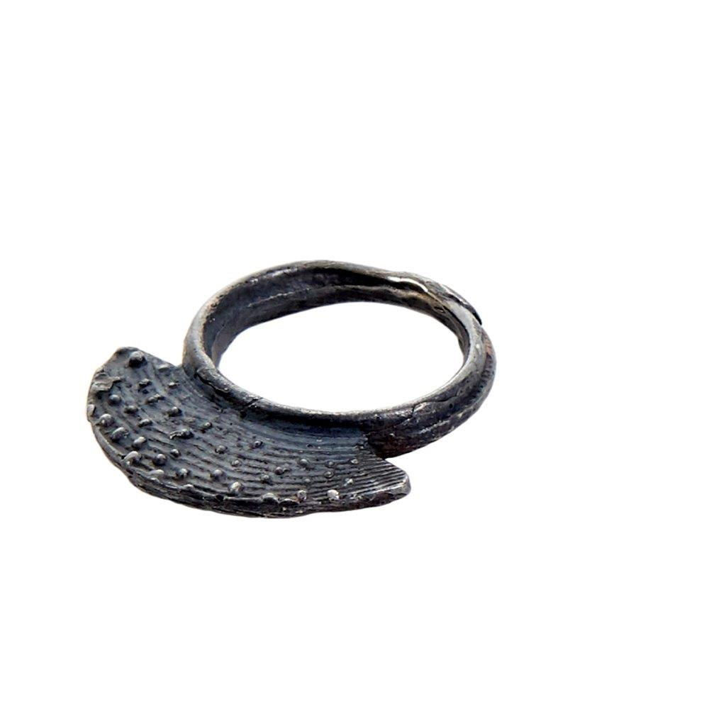 Tundra Jewellery Mini-Mohawk Oxidized Silver Ring - Black