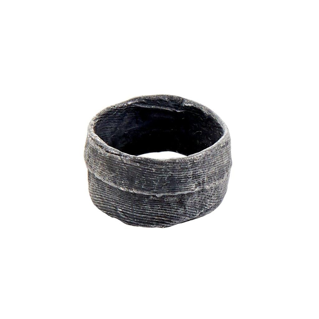 Tundra Jewellery Èn Oxidized Silver Ring  - Black