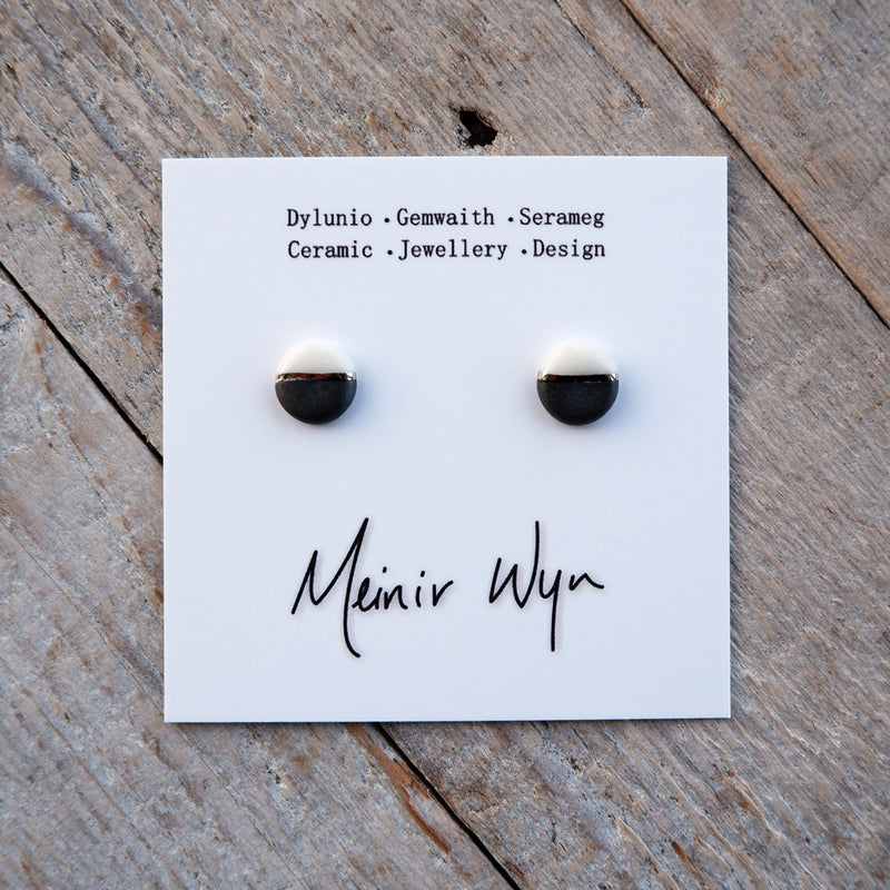 Medium Classic Platinum Studs