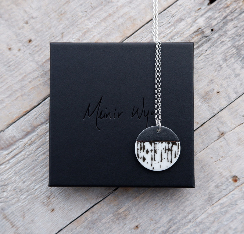 Monochrome Drip Necklace