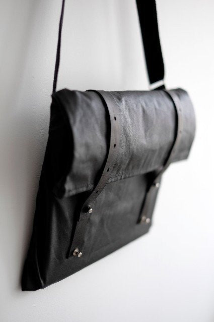Vel-Oh Cycling Bags - Nip Out Musette | Black