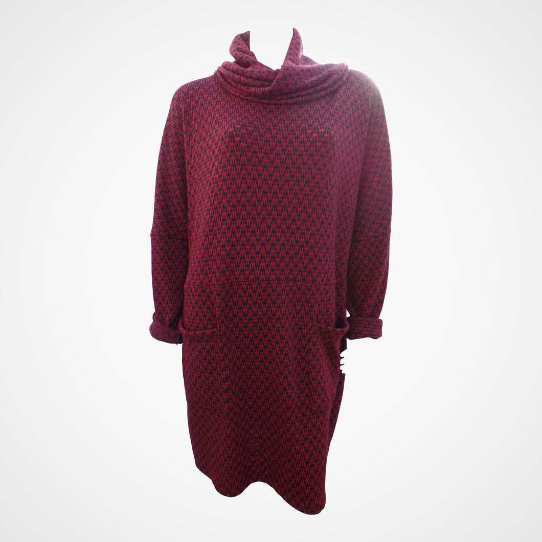 Maroon Patterned Two Pocket Knit Dress