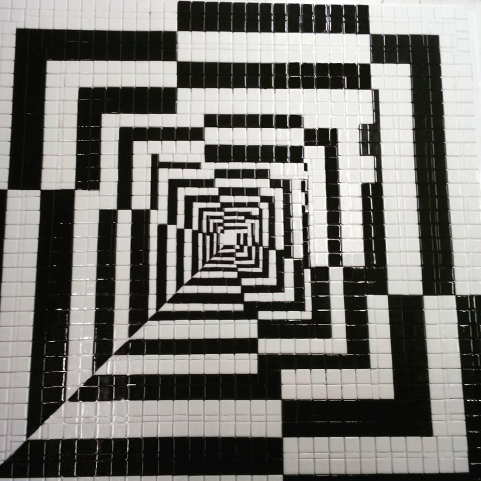 Black And White Mosaic Glass Pic