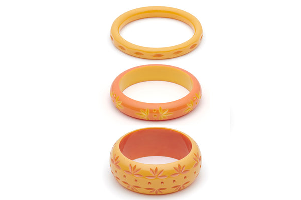 Splendette vintage inspired 1950s Bakelite style peachy yellow Duotone fakelite Honeysuckle and Freesia Set of 3 Carved Bangles