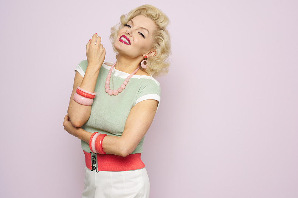Marilyn Monroe Lookalike Suzie Kennedy in Peach and Green Fakelite