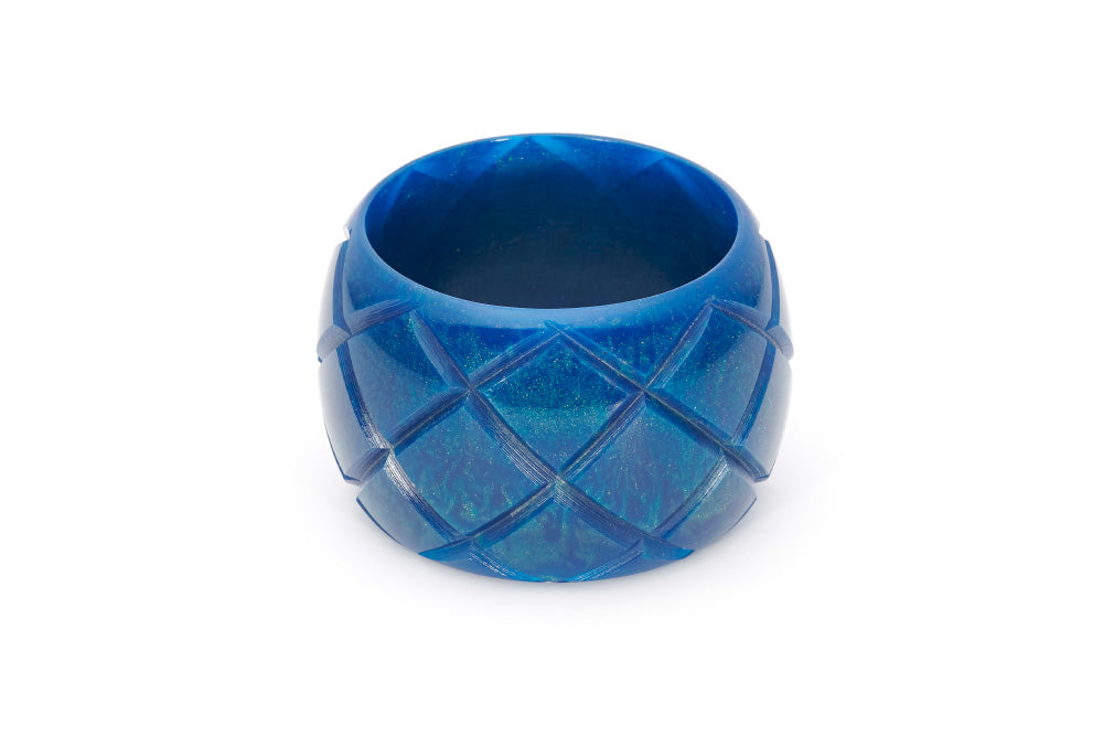 Splendette vintage inspired 1940s style carved blue Chunky Golden Ink Fakelite Bangle in Maiden size