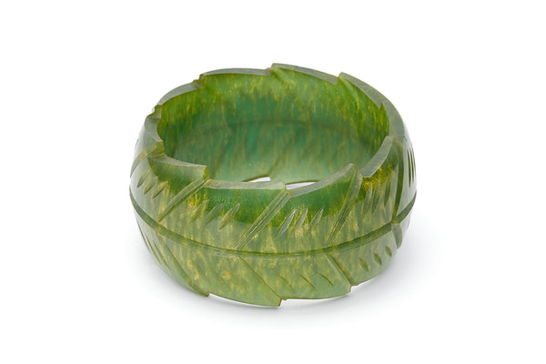 Splendette vintage inspired 1940s style carved green Chunky Golden Olive Fakelite Bangle in Classic size