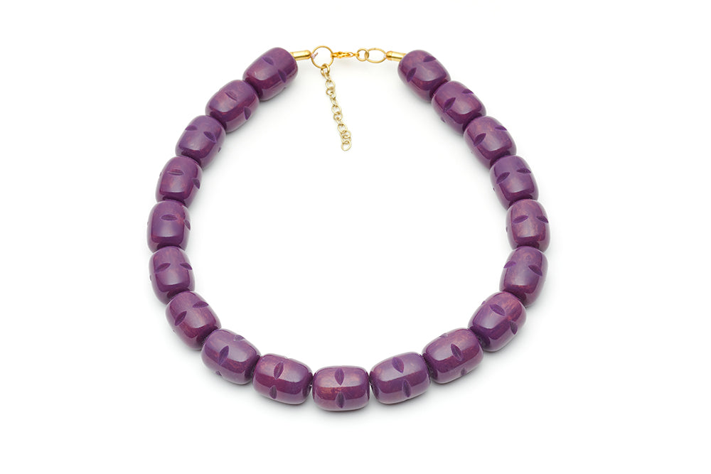 Splendette vintage inspired 1940s style carved purple Golden Plum Fakelite Necklace