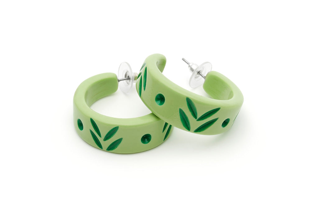 Midi Spring Carved Bangle