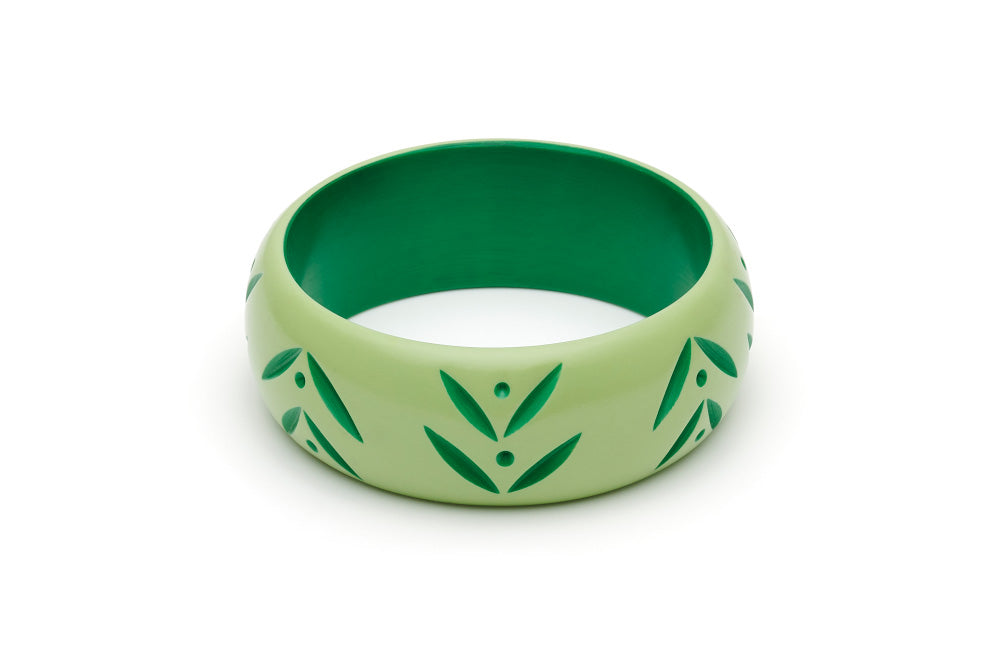 Splendette Wide Spring Carved Bangle