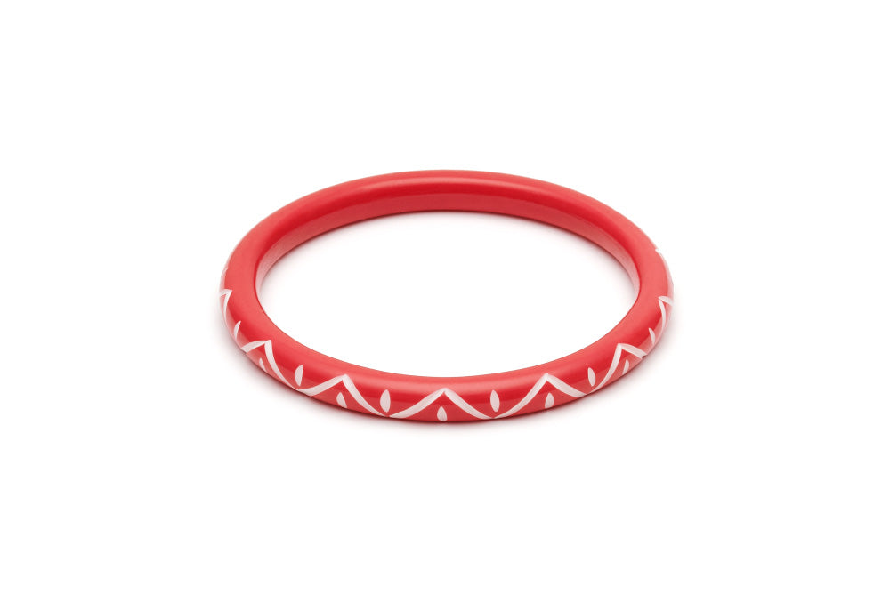 Splendette Narrow Lover Carved Duchess Bangle