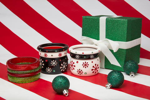 Splendette vintage inspired 1950s Christmas style Atomic Snowflake Bangle stacks with black Musta and white Lumi with red and leaf green glitters