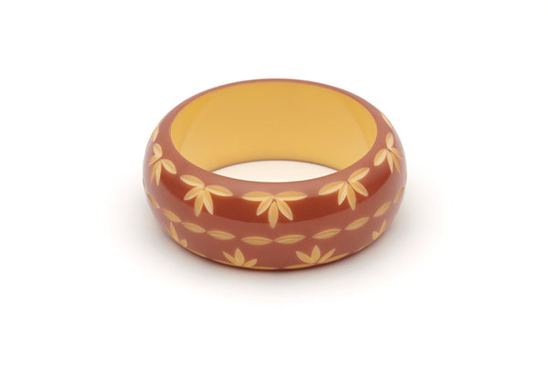 Splendette vintage inspired 1950s style brown carved Duotone fakelite Wide Café carved Bangle in Classic size