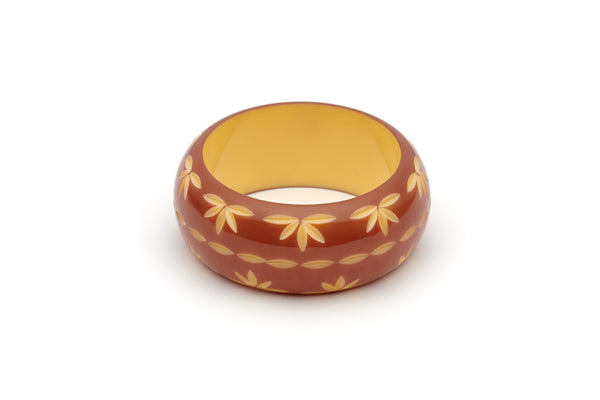 Splendette vintage inspired 1950s style brown carved Duotone fakelite Wide Café carved Bangle in Maiden size