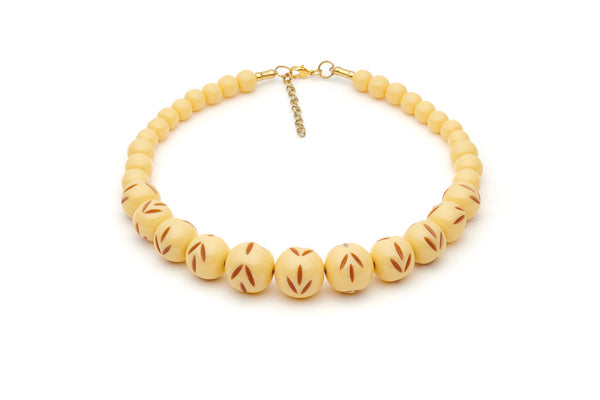 Splendette vintage inspired 1950s style cream carved Duotone fakelite Lait Carved Bead Necklace