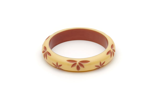 Splendette vintage inspired 1950s style cream carved Duotone fakelite Midi Lait Carved Bangle in Classic size